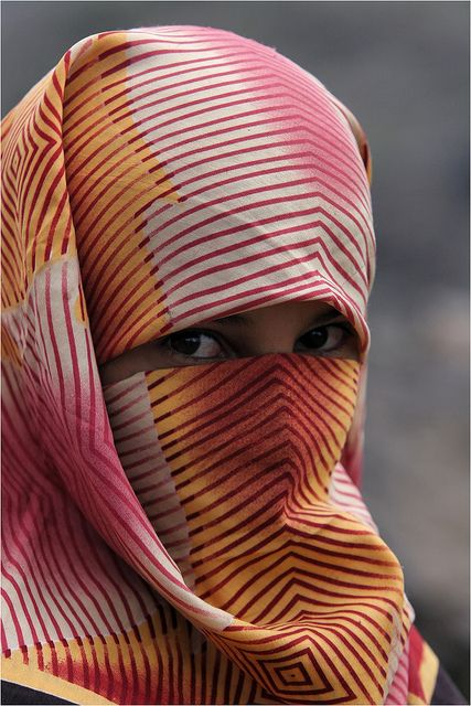 Yemen: le voile. by claude gourlay, via Flickr