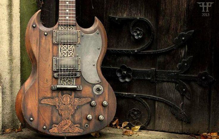 Hutchinson's Guitar Concept - Viking SG