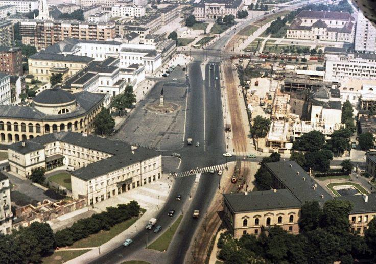 Plac Bankowy (dawny Pl. F. Dzierżyńskiego) fot. Karol Szczeciński / East News
