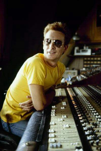 Graham Bonnet (December 23, 1947) British musician, o.a. known from the Marbles and Rainbow.
