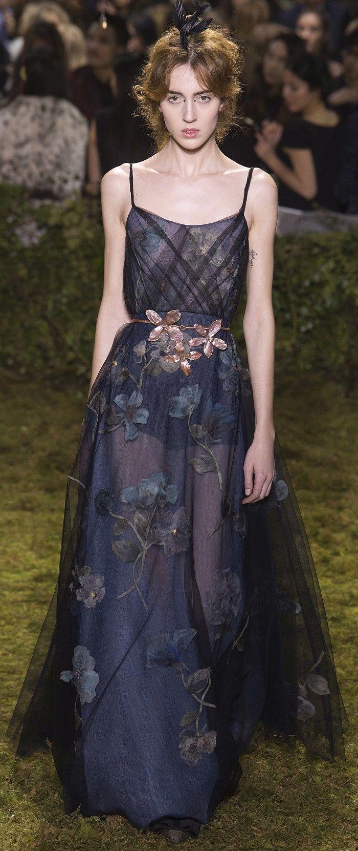 Desfile Dior AltaCostura Vero 2017 OConto de Fadas Contado porMaria Grazia Chiuri  Destaques  Fragmentos de Moda