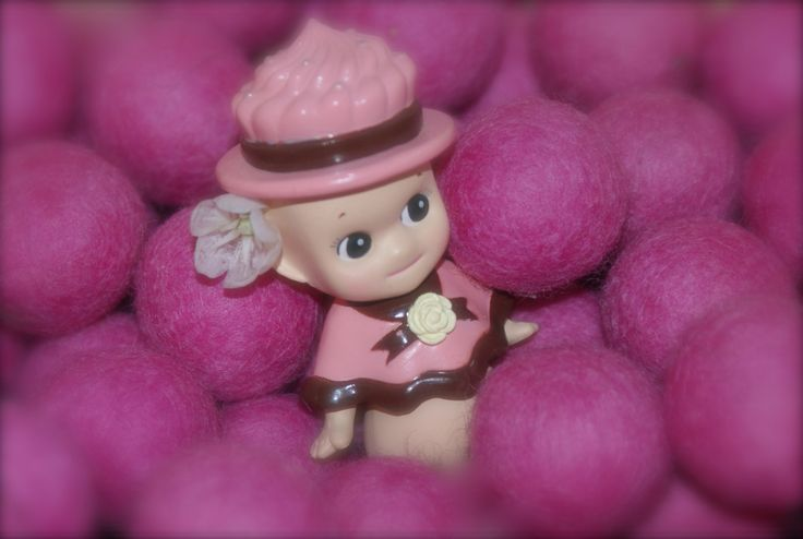 Sonny Angel Figurine Chocolat Fraise En stock 9,90 €  Disponible sur www.sonnyangel-world.com