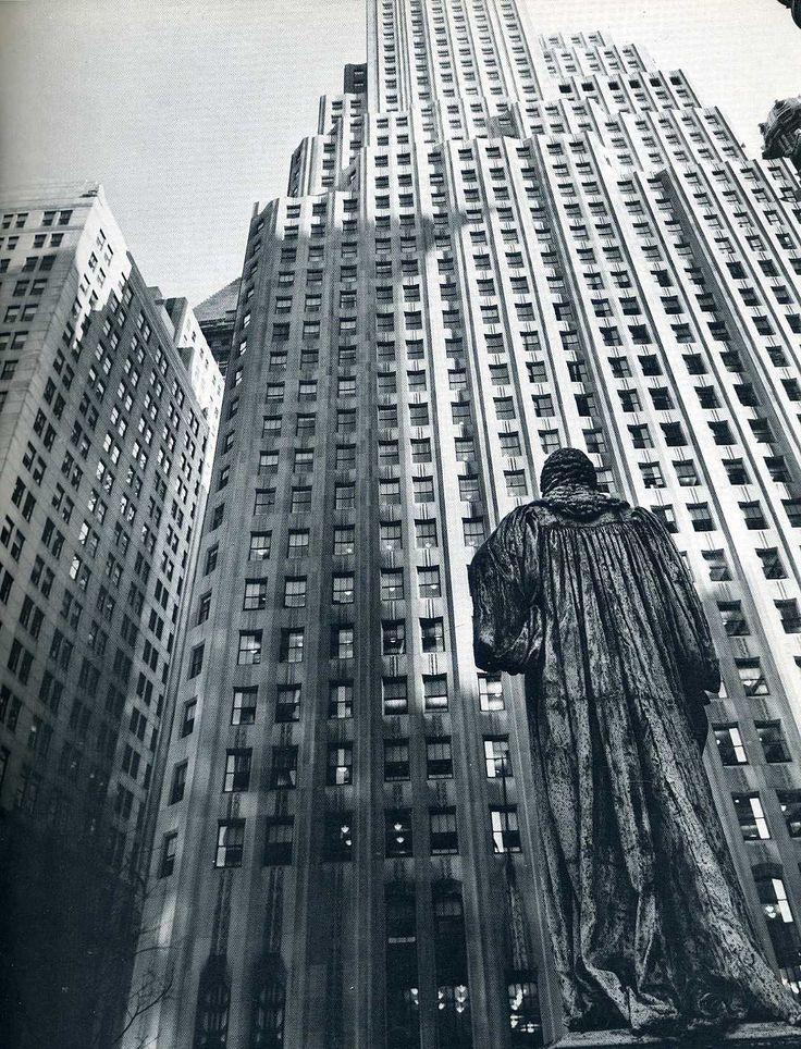 Berenice Abbott, John Watts Statue, 1938.