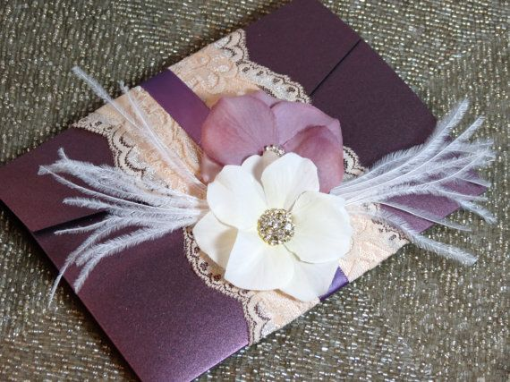 VINTAGE GLAMOUR: Lace Wedding Invitation Plum por peachykeenevents