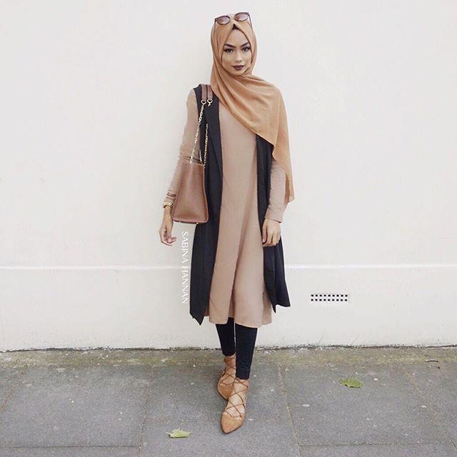 Outfit details: Midi dress: @sanzaa_ltd Hijab: @sanayusufzai