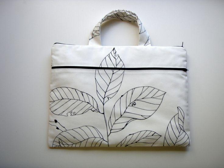 Notebooktasche 17,3 zoll Henkel Weiße Blätter von Babimini auf DaWanda.com