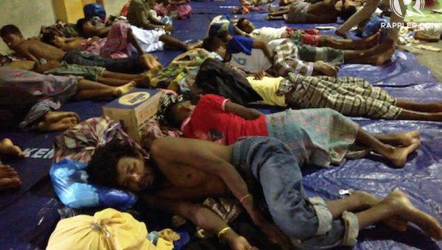Berita Islam ! Melihat nasib Rohingya anak tiri di Indonesia... Bantu Share ! http://ift.tt/2wWfflS Melihat nasib Rohingya anak tiri di Indonesia  Ursula Florene Sudah 7 tahun berlalu sejak pengungsi etnis Rohingya mendarat di Indonesia. Mereka melarikan diri dari konflik berdarah di negara asal mereka Myanmar entah sekedar untuk transit ataupun berharap mendapatkan suaka. Waktu yang lama tidak lantas membuat Indonesia siap dengan sumber daya maupun regulasi yang memadai bagi pengungsi…