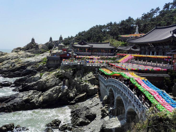 Veduta di una parte del tempio Haedong Yonggungsa