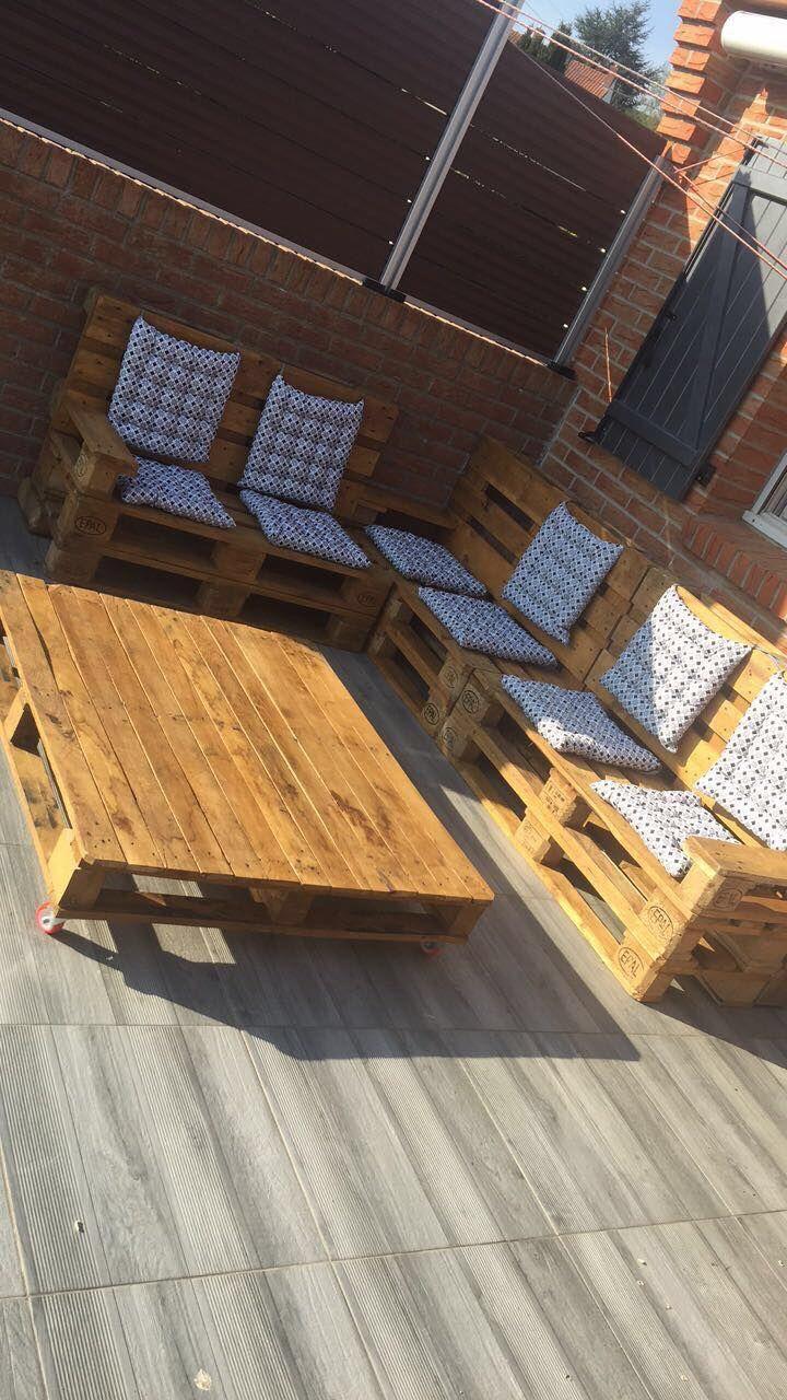 Salon de jardin en bois de palettes de qualité, lasuré et ...