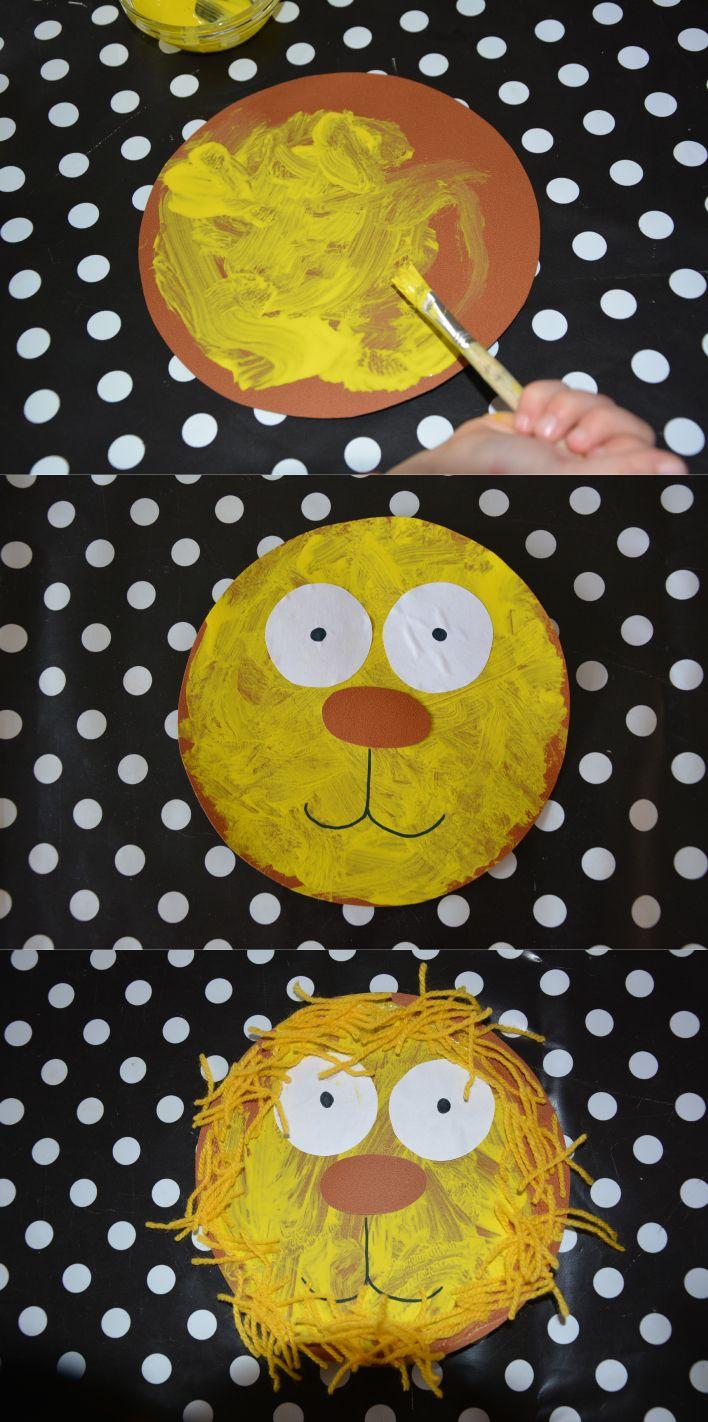 Leeuw knutselen: Laat de kinderen een cirkel verven, plak of teken er ogen, neus en mond op en laat ze de manen van de leeuw (van bijvoorbeeld wol) erop plakken.