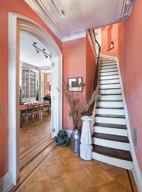 Color Coral En Paredes 30 Ideas Para Pintar La Casa Con Color Coral Mil Ideas De Decoracion Casas Pintadas Escaleras Pintadas Casa Minimalista