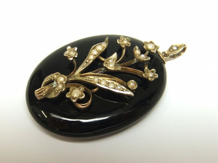 gold onyx and pearl Victorian locket