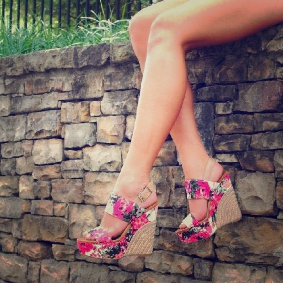 Hello Spring New Jessica Simpson Floral Wedges Brand new, never been worn Jessica Simpson Floral Wedges! Perfect for spring! Retail Value $110! Jessica Simpson Shoes Wedges