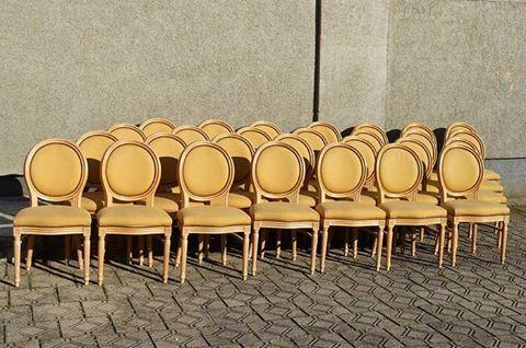🌲Стулья во французском стиле, к заказу доступны 28 шт., #винтаж 🚂#Европа, ХХ век 👛24 000р шт. 👛 за стул от 4 шт. 18 000р ☎️ +7952 2884944, +7911 9662986 #стул #стулья #многостульев #классика #франция #прованс #мебельыранция #рококо #антиквариат #антик #ретро #антиквариатмосква #антиквариатспб #антикварнаямебель #винтажнаямебель #коллекционирование #искусствовинтерьере #элитнаямебель #винтажныймагазин #буфеттабурет #bufettaburet