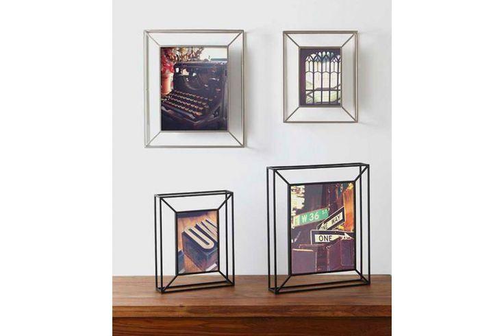 De Matrix Photo Display is er in de kleuren zwart en nickel en in de maten 20 x 25 cm en 13 x 18 cm. #fotolijst #wanddecoratie #housewarming #interieur #cadeau #huisdecoratie