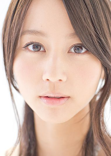 透明感と目ヂカラがポイント!堀北真希さん風メイクをご紹介