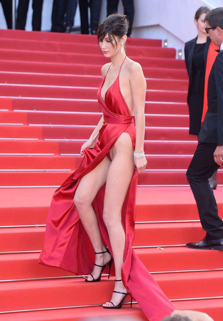 Bella Hadid Pubic Hair Upskirt On The Red Carpet On