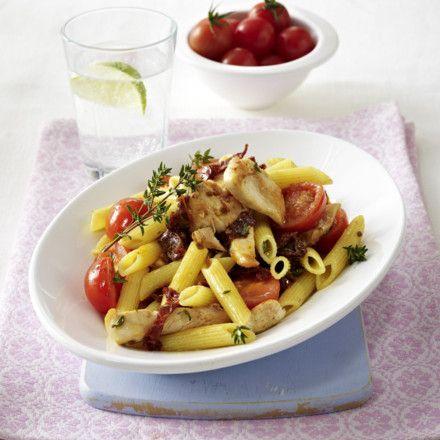 Penne mit Hähnchen und Tomaten (Schlank im Schlaf) Rezept | LECKER