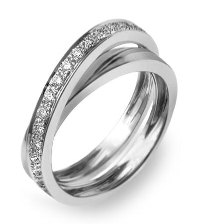 Engagement Ring  Shop online: https://flaginhairmao.com/d/425/Infinito