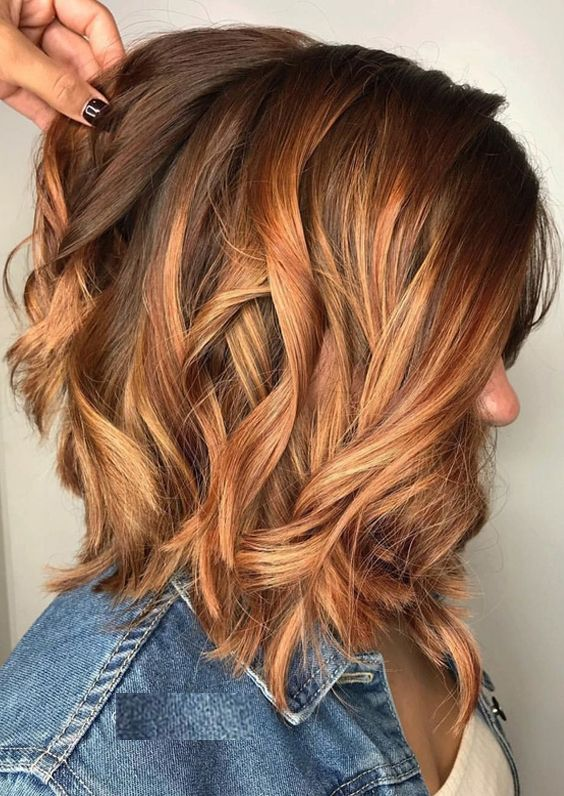Auburn balayage hair highlights is best combinheation to wear with medium hair 2017 2018.