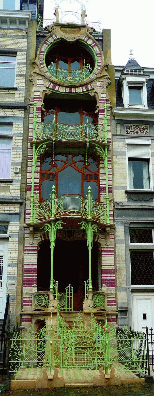 Magical Art Nouveau.: Maison Saint-Cyr. Click for more pix. Hector Guimard's Art Nouveau Café Antoine, 17 rue La Fontaine, Paris XVIe