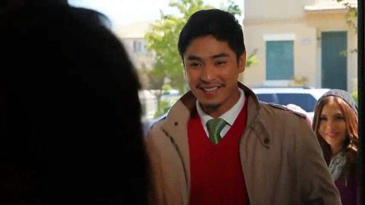 "This is the handsome Coco Martin along with the pretty Julia Montes and the pretty Kathryn Bernardo surprising a Filipino-American Family in Los Angeles, California, U.S.A. during the taping of the 2011 ABS-CBN Christmas Station ID, ""Da Best ang Pasko ng Pinoy."" #CocoMartin #IdolongMasa #JuliaMontes #KathrynBernardo #DaBestPasko #DaBestangPaskongPilipino #DaBestangPaskongPinoy #ABSCBNChristmasStationID"