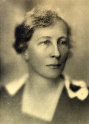 La ingeniera y psicóloga Lillian Moller Gilbreth (1878-1972) nació un 24 de mayo