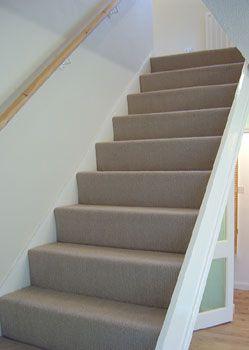 De trap gestoffeerd met heerlijk zacht tapijt, door Decorette Maassluis #trap #tapijt #binnenkijken
