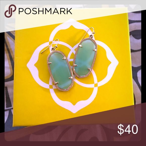 Kendra Scott Elle earrings in Chalcedony Kendra Scott Elle earrings in Chalcedony. I personally bought these from the KS website, so the only owner has been me. I absolutely love chalcedony but I prefer the Danielles over Elles.  I will ship with dust bag. In like new, EUC. Hoping to give these beauties a good home! Kendra Scott Jewelry Earrings