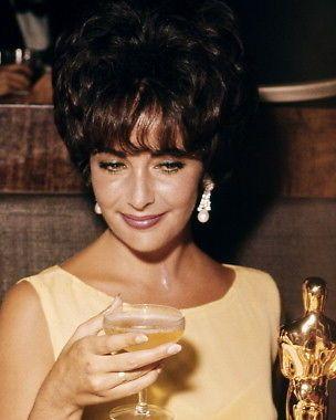 Elizabeth taylor 11x14 photo great candid image champagne oscar academy award