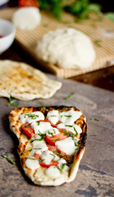 grilled garlic naan pizzas. yes have to make this soon oh my.