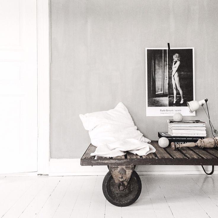 New wallcolour in the livingroom | Kalklitir | Redecoration mess |