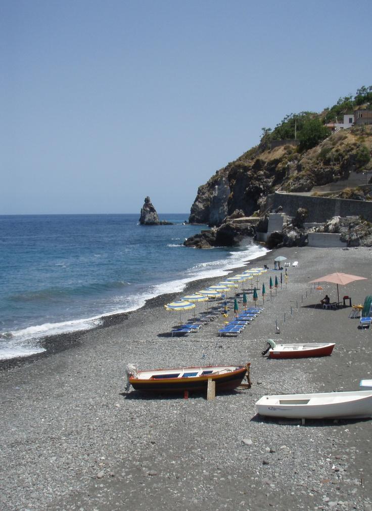 #hospitality #lipari #vacation #accomodation #vulcano #romantic #gateway #family -Holiday House for rent in Lipari island- Sicily- Italy - Manager D'Amico Alessia , contact me by email : casasimone.eolo13@gmail.com ; casasimone.eolo@alice.it +39.090.9880360 ; +39.338.7927531 http://twitter.com/VacanzeLipari - http://www.facebook.com/casasimonelipari - @VacanzeLipari #lipari #isoleeolie #casasimonelipari #holiday #sea #sun #wheretogo #summer