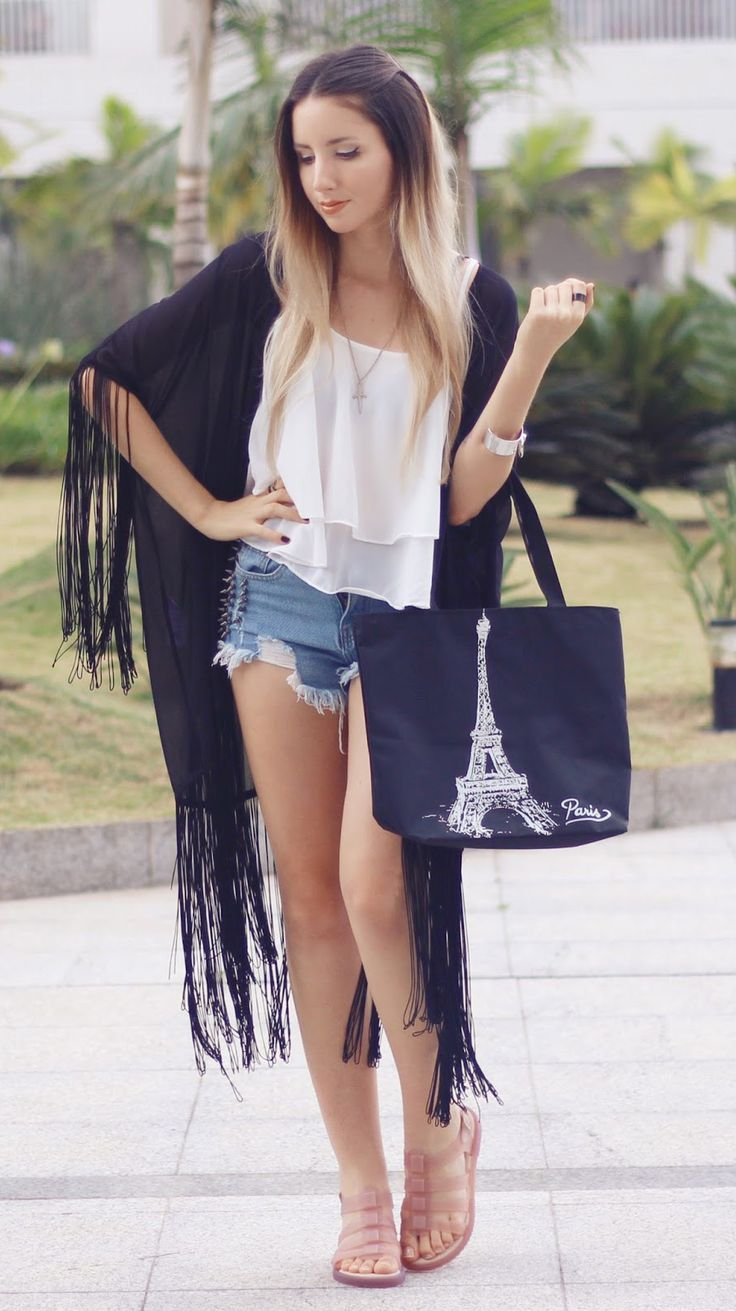 Look from Melissa. Black handbag + white Shirt from Newchic.