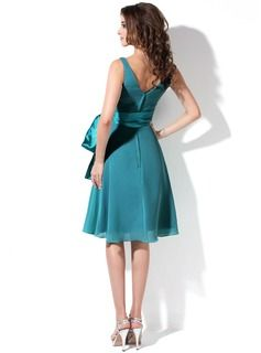 JJsHouse, de wereldwijde toonaangevende online kleinhandelaar, biedt een grote verscheidenheid aan trouwjurken, bruiloftjurken, jurken voor speciale gelegenheden, modieuze jurken, schoenen en accessoires van hoge kwaliteit en tegen een betaalbare prijs. Alle jurken worden op bestelling gemaakt. Kies er vandaag nog een uit!