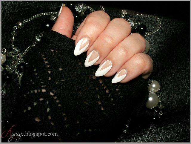 White&Beige Nails Art