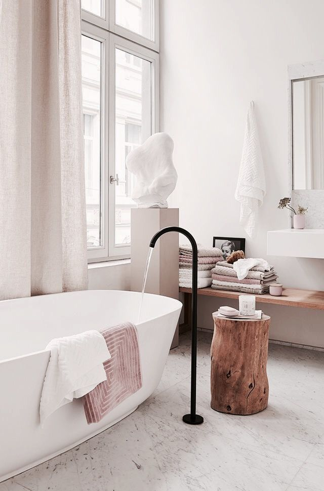Minimalist white cream and pink bathroom #minimal