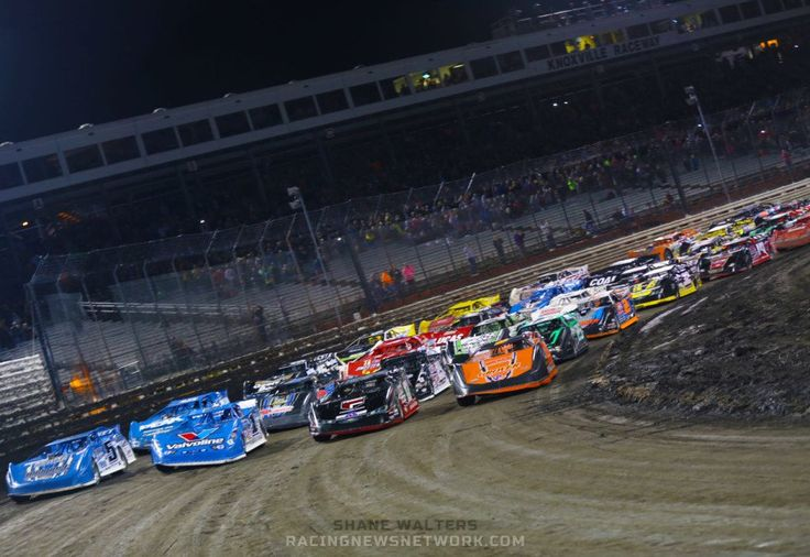 Here's a list of all 2015 dirt late model racing champions from every dirt racing track and dirt series  https://racingnews.co/2015/11/19/2015-dirt-late-model-champions/ #dirtracing