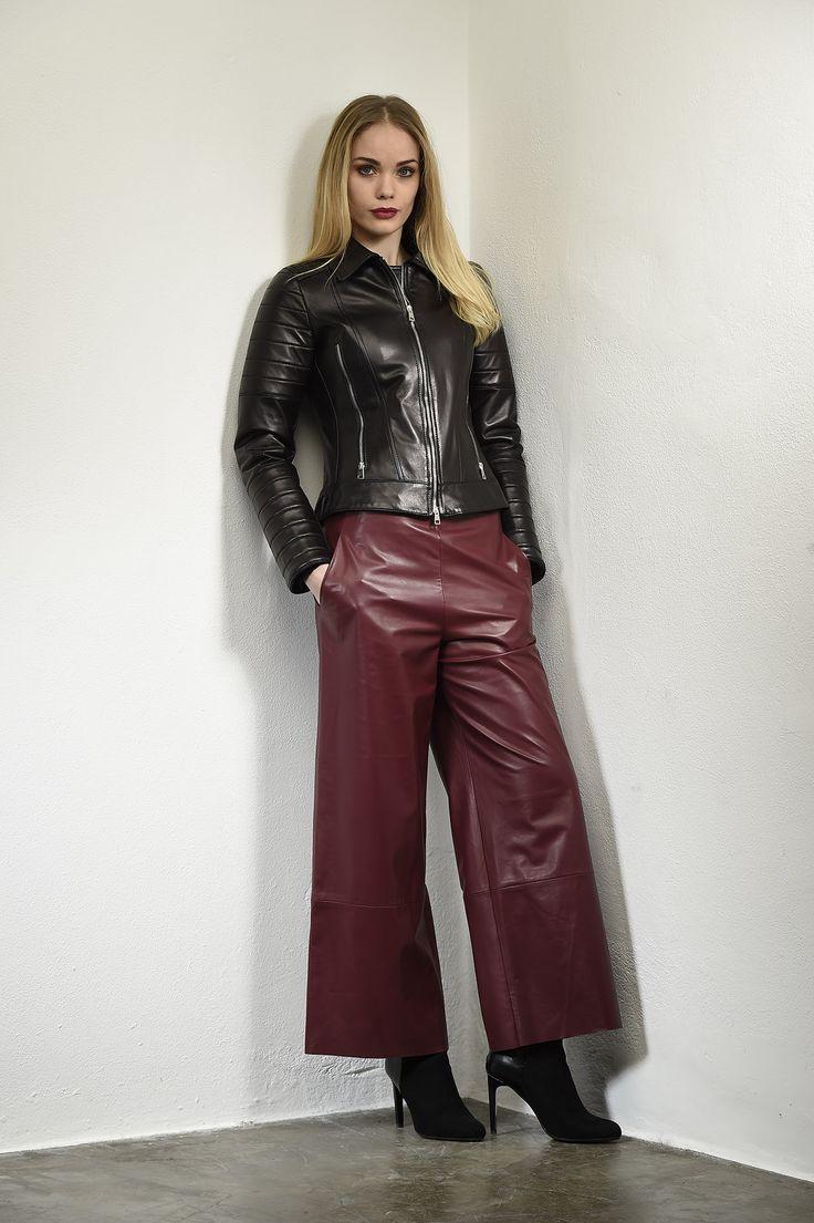 http://shop.stephen-snc.com/…/12425/XJEPCMVT/giacca-in-pelle #Oggi vi presentiamo un #abbigliamento total look in #pelle. #Giacca nera con cerniera centrale e collo a #camicia ~ #pantalone bordeaux cotto alla caviglia. Da #giugno in tutti i #negozi, da subito sul nostro #ShopOnline con #sconti fino al 20%. _________________________________ #Today we arte glad to #show you a #leather total look. #Black Jacket with central zip ~ short leather…