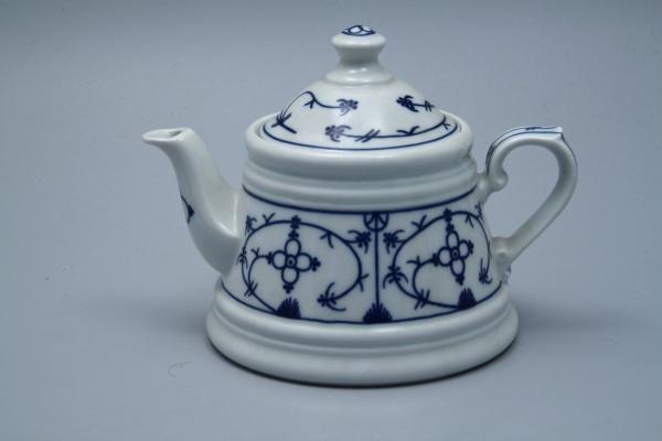 ber ideen zu altes porzellan auf pinterest keramik geschirr seitendesign und garten. Black Bedroom Furniture Sets. Home Design Ideas