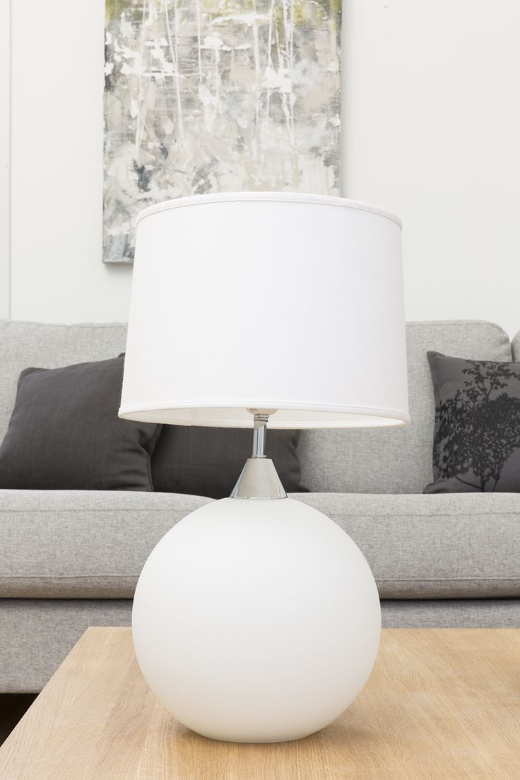 Aava Lampstand | White Aava (High Sea) lampstand is made of matt glass.