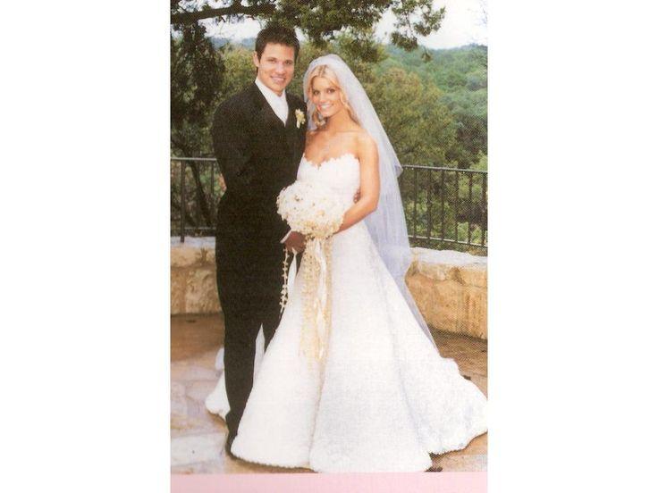 Beautiful My Dream gown shape Stiff circular all over lace Jessica Simpson us custom made Vera Wang wedding dress