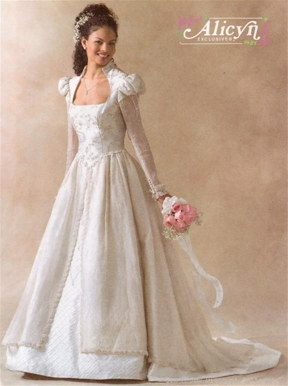 McCalls 4713 renaissance wedding dress My Pattern Stash