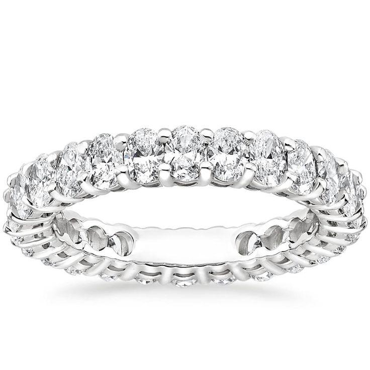 Ovaler Ewigkeits-Diamantring aus Platin (2 Karat)