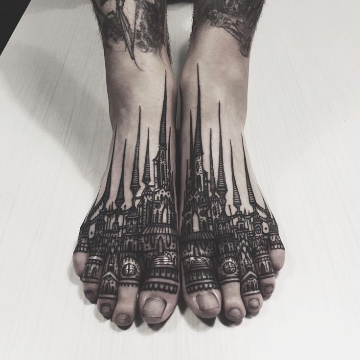 The wicked wicked castle feet... :) Thanks so much Ben for being one of the crazy ones! @baphometpuke