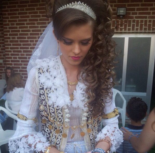Albanian nuse | Hair style | Pinterest | In laws ...
