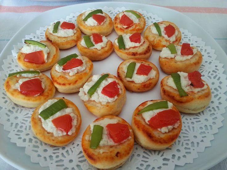 Mutfağımızdan Seçmeler: MİNİK PİZZALAR #MinikPizza   #Kahvalti   #Hamurisi   #MutfagimizdanSecmeler