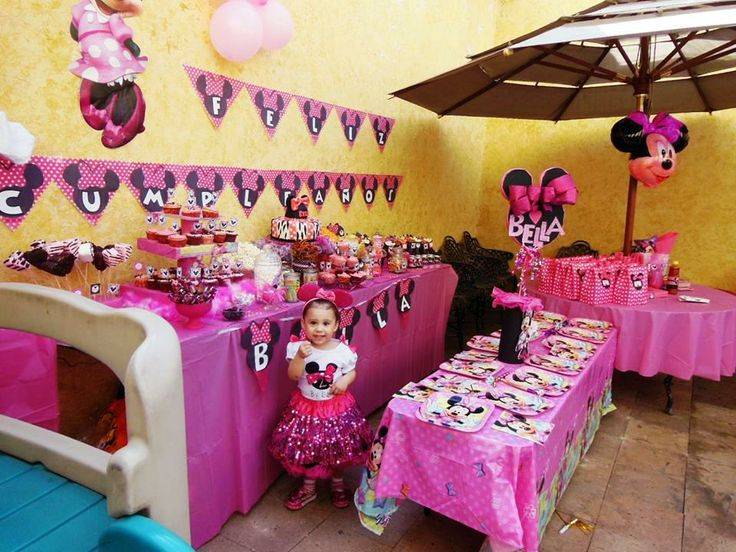 1000 images about minnie mouse party theme on pinterest for Baby minnie mouse decoration ideas
