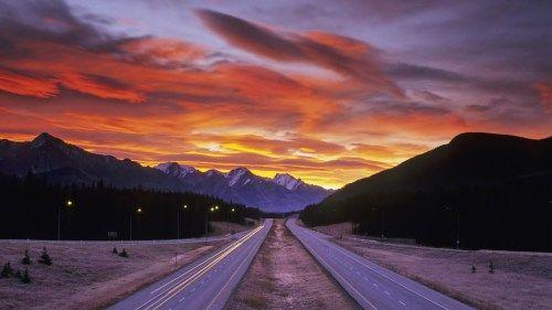 Do sol bonito sobre Mountain Road - Sunset, Montanha, Lit, estrada, Nuvem, Paisagem, Natureza, Montanha por do sol, estrada da estrada