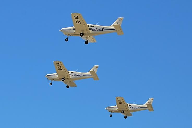 Formación aviones del Real Aeroclub de Málaga